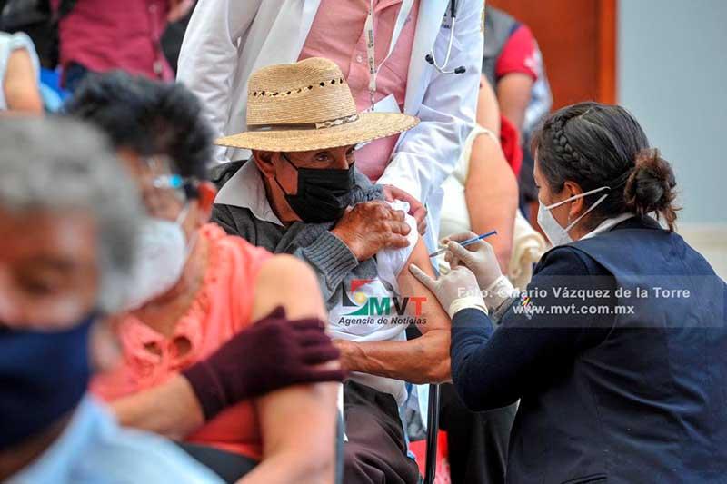 Dió inicio la vacunación contra Covid-19 en 19 municipios del Edoméx