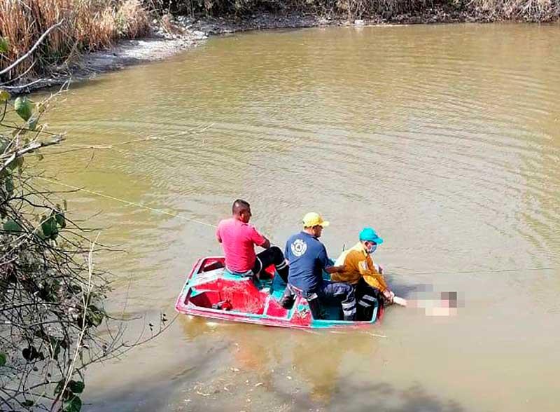 Rescatan a joven que se ahogó en una presa de Ixtapan de la Sal