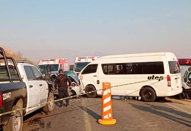 Choque de frente en Santa María Jajalpa Tenango deja dos muertos y tres lesionados