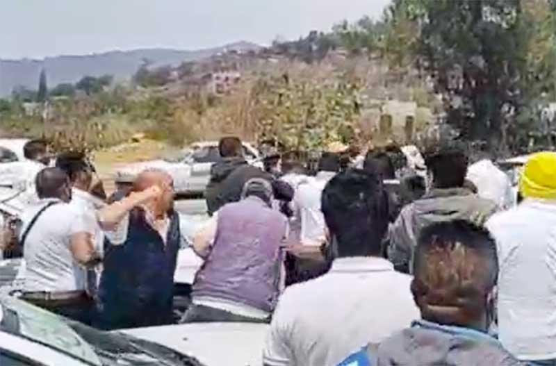 Reunión de taxistas termina a golpes en Valle de Bravo