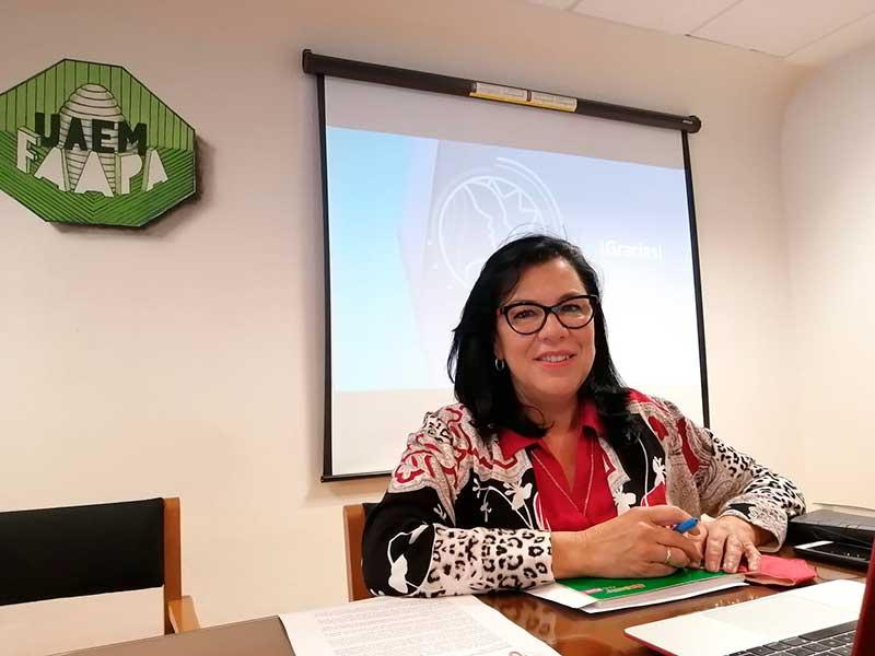 Yolanda Ballesteros anuncia su retiro de la contienda por la Rectoría