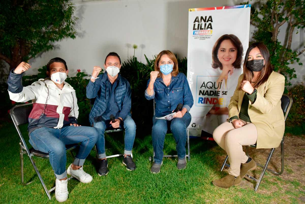 Refrenda Ana Lilia su compromiso para impulsar la educación de calidad