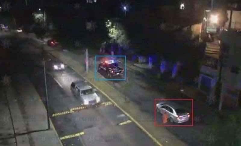 Policías localizan y aseguran al conductor de un auto utilizado durante un robo a casa habitación en Toluca