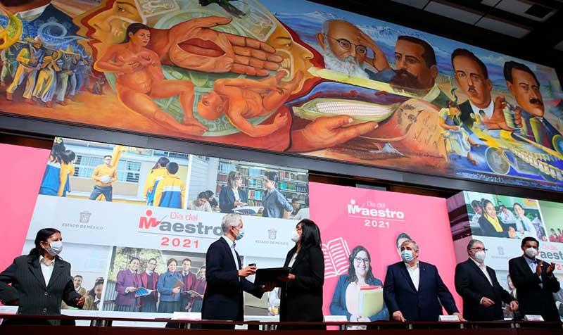 Vacunación a docentes en Edoméx representa avance al regreso seguro a clases e impulsa más actividades económicas