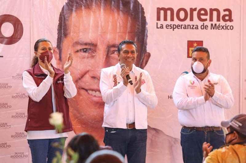 Juan Rodolfo Sánchez se compromete a seguir trabajando por las madres de familia de Toluca