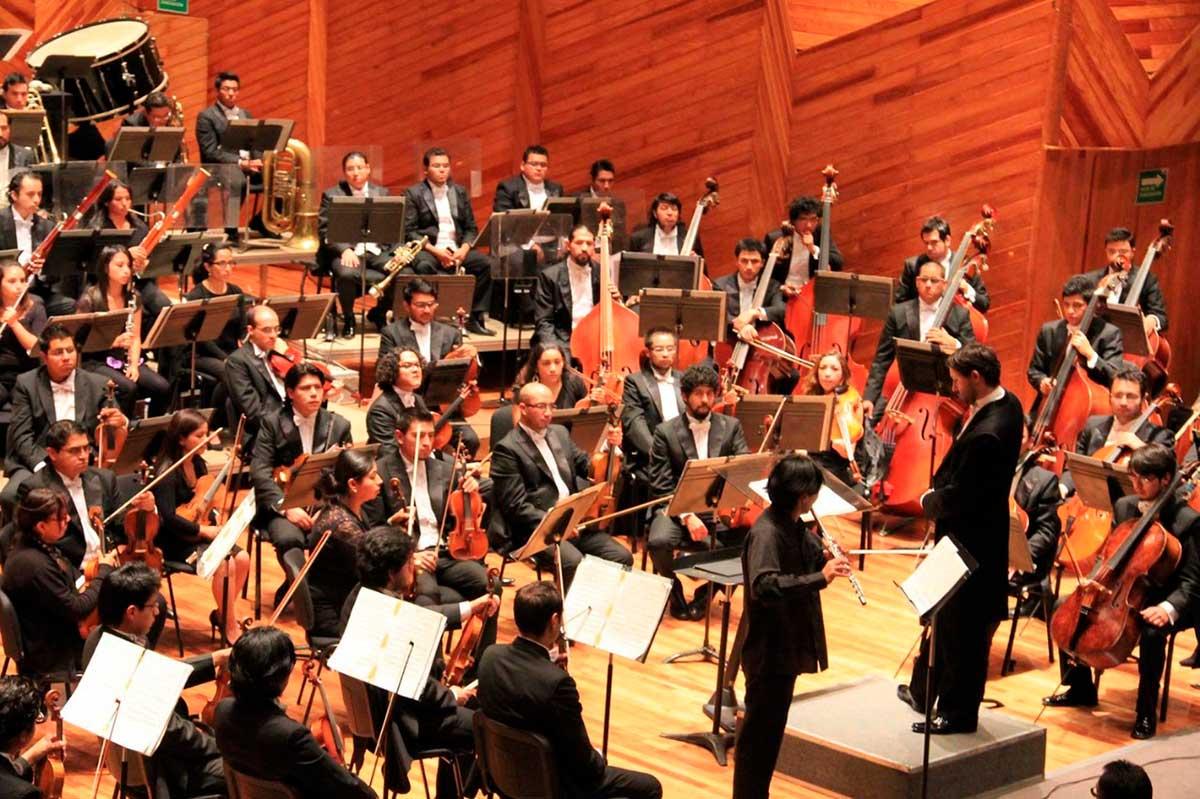 Orquesta Sinfónica del Estado de México en la Sala de conciertos Felipe Villanueva