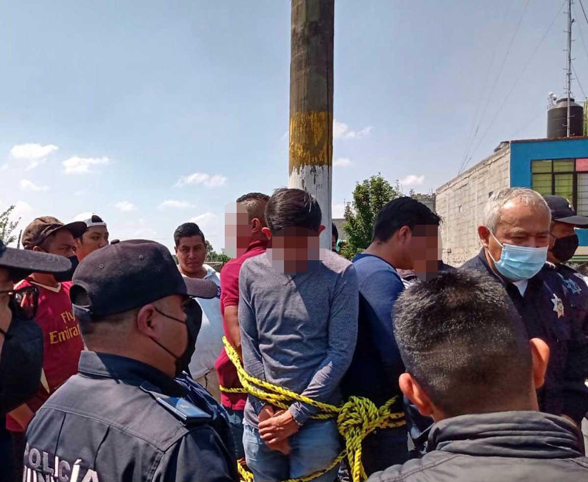 Intentan quemar vivos a tres agentes de la Fiscalía en Otzolotepec