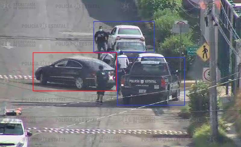Policías detienen a pareja que tripulaba auto usado en al menos 4 robos violentos
