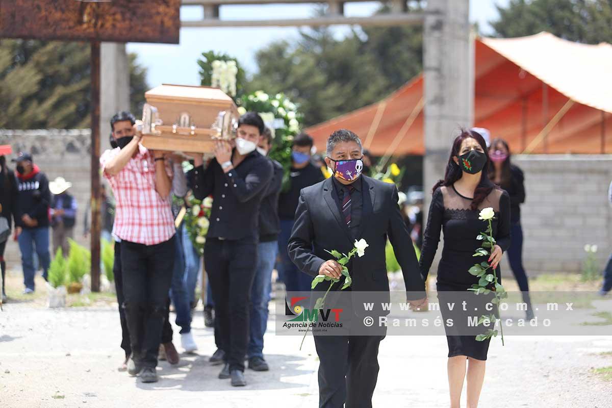 Despiden a Raúl Ferreyra García, estudiante universitario hallado muerto en Capulhuac