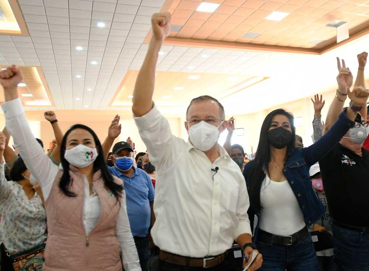 Raymundo Martínez cierra campaña en Capultitlán y enumera once compromisos