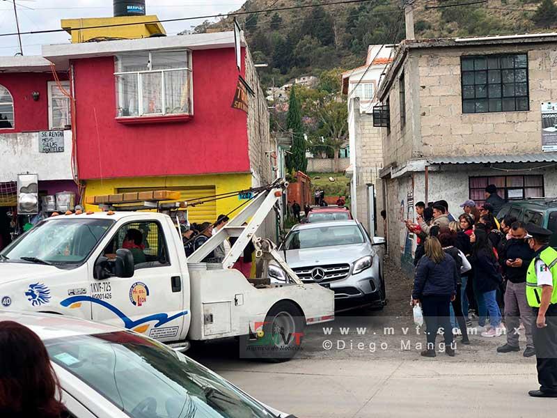 De reversa, mujer atropella y mata a peatón en Santa Cruz Atzcapotzaltongo
