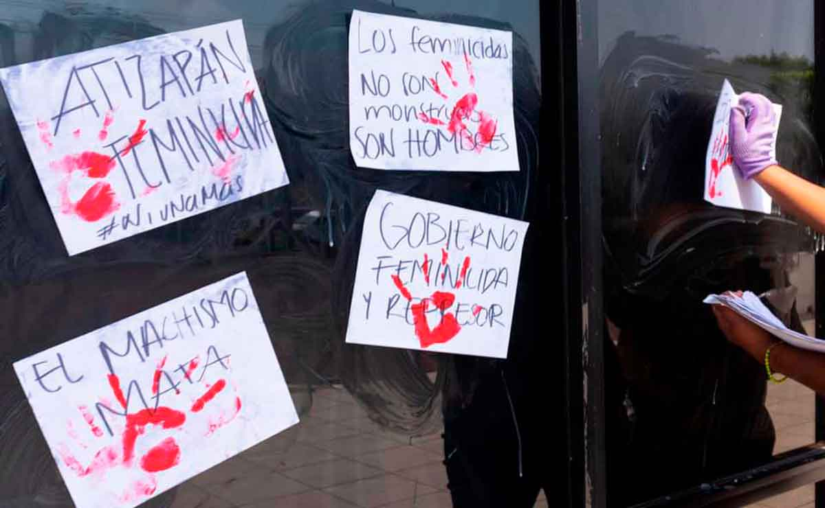 Feministas protestan por feminicidios en Edomex.