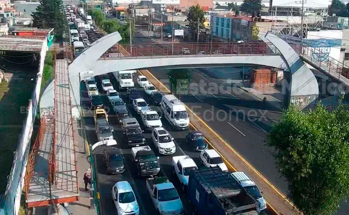 Se registra tránsito lento por accidente en Toluca