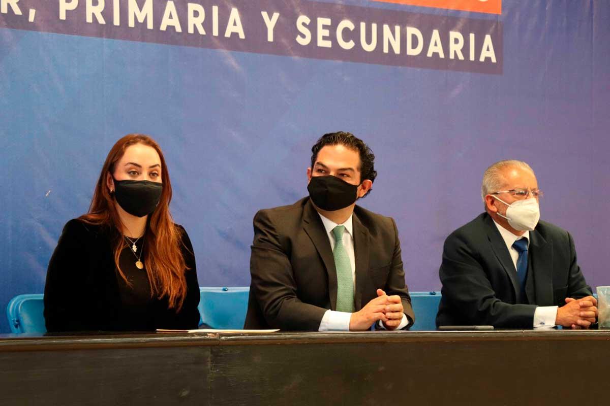Recibe Huixquilucan kits de sanitización para el regreso a clases