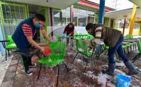 padres de familia realizan jornada de limpieza en escuelas del edomex previo a la jornada electoral