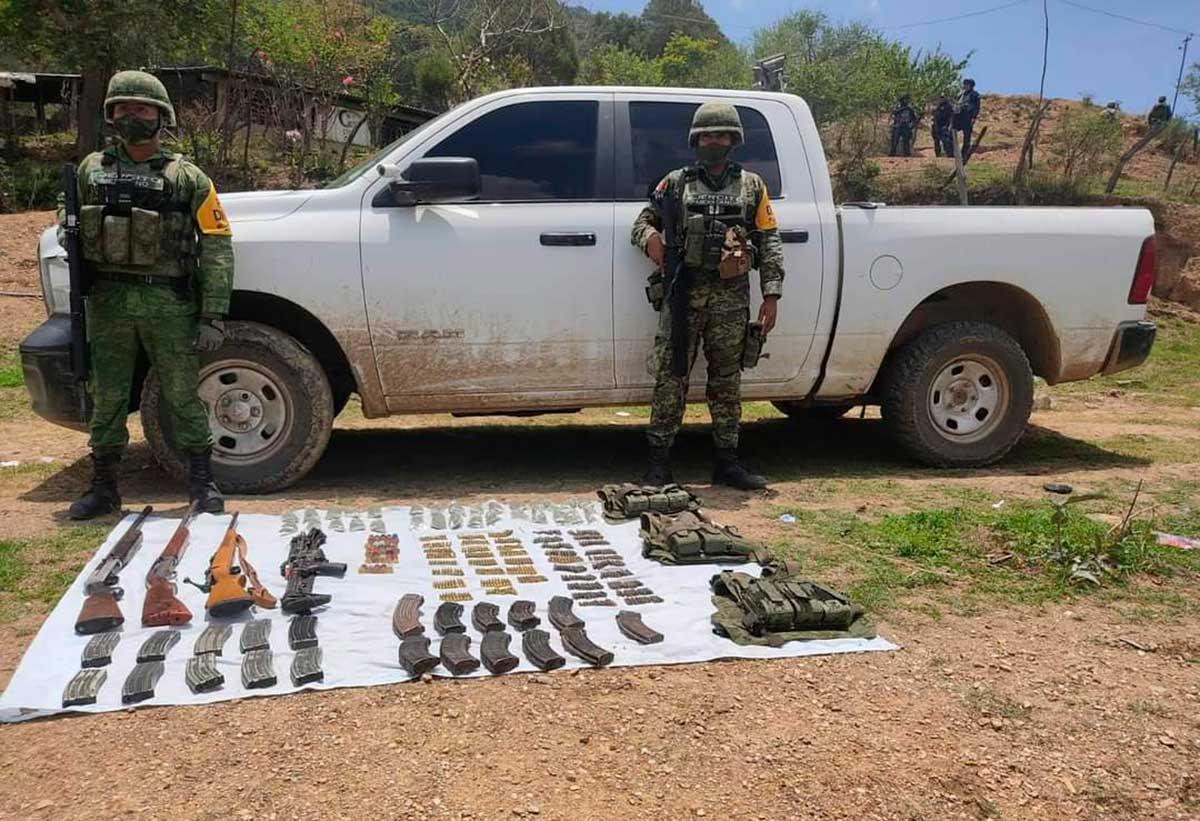 Se enfrentan elementos del ejército mexicano y grupo armado en Almoloya de Alquisiras