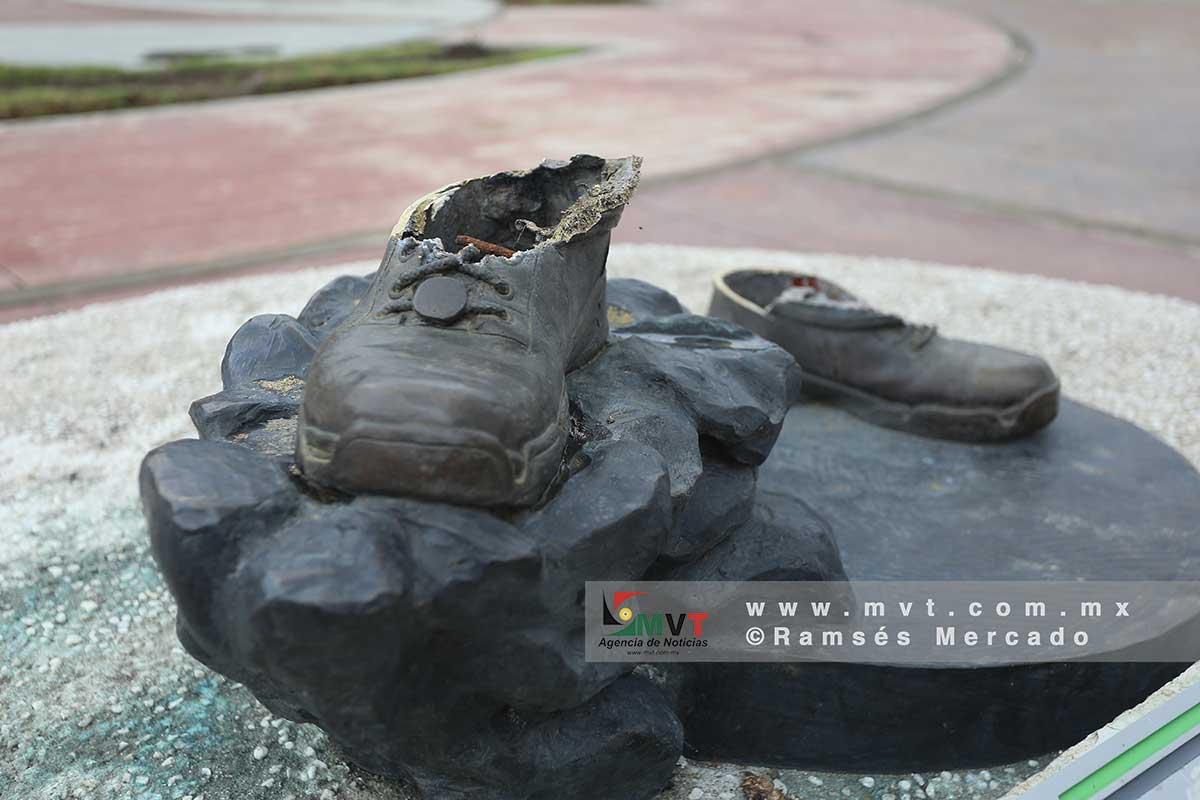Atrapan a presuntos ladrones de la estatua de astronauta mexicano en Zinacantepec