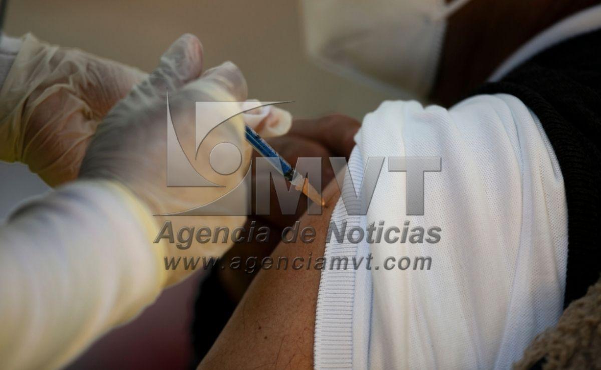 Por lo que la primera dosis de la vacuna será aplicada en Toluca, Metepec, Huixquilucan, Cuautitlán, Cuautitlán Izcalli, Zinacantepec, entro otras entidades.