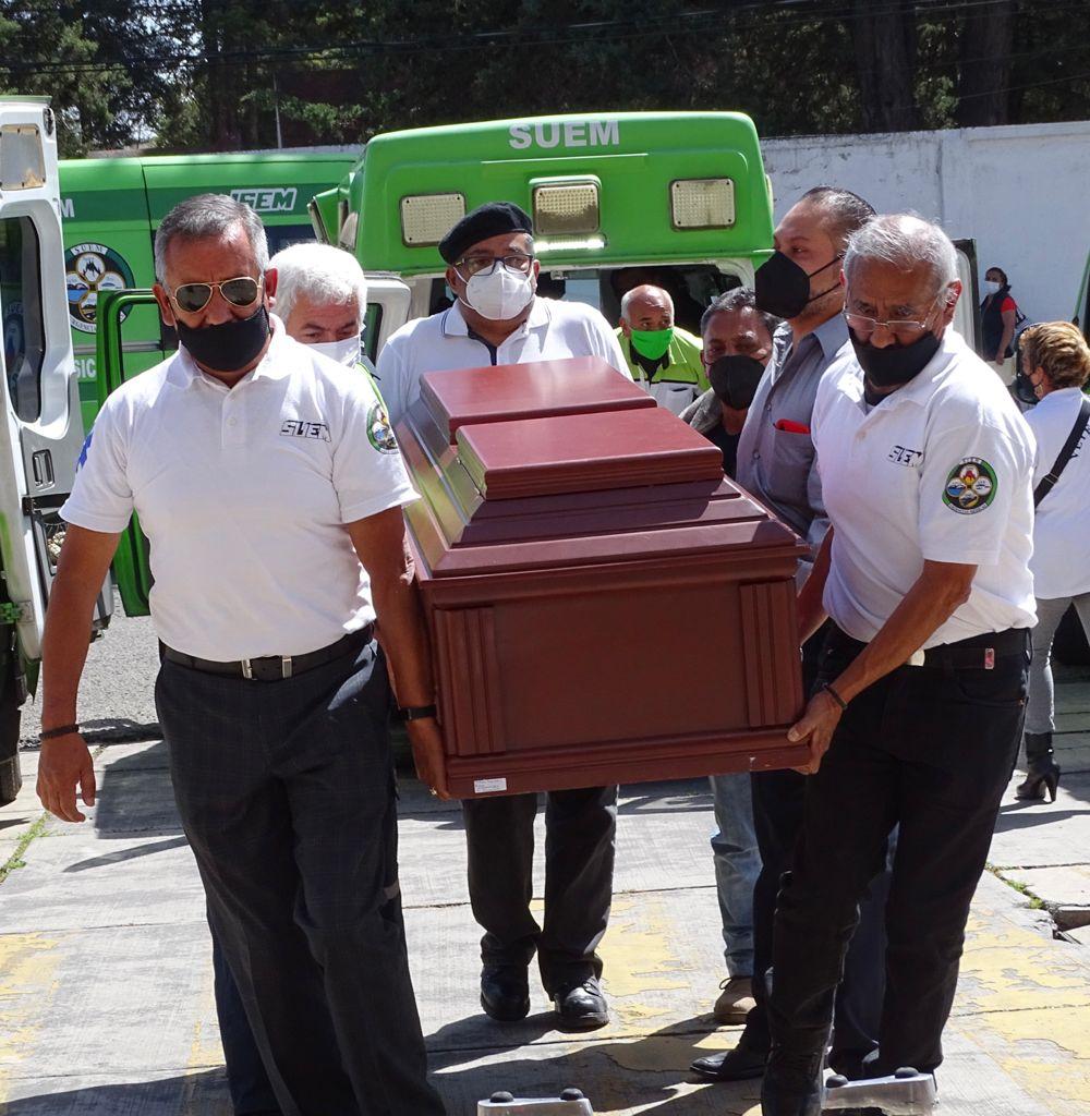 Paramédicos Del Valle de Toluca despiden al capitán Arturo Espíndola, fundador del SUEM