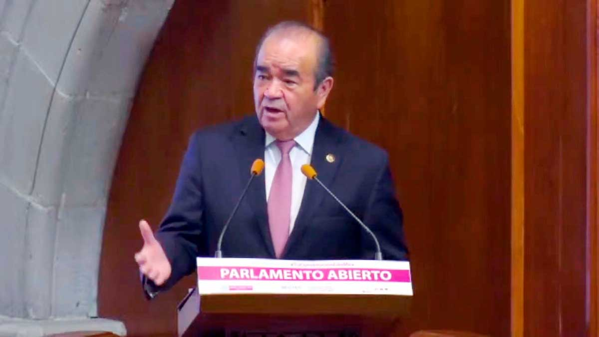 Ratifican a Maurilio Hernández como líder morenista