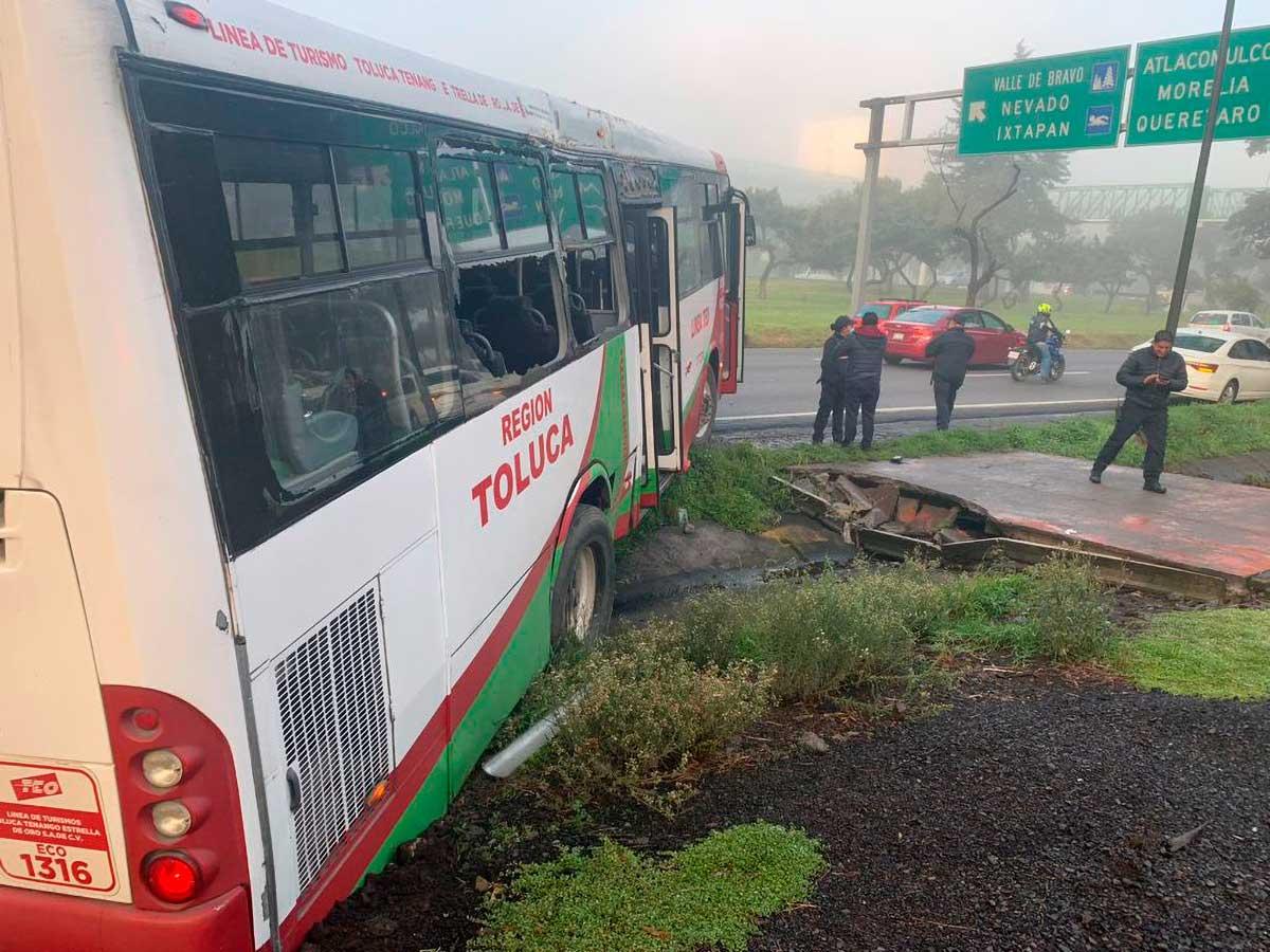 Trágico sábado en Toluca; camionazo, decapitado y atropellamiento