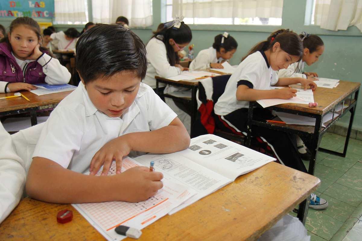 Las Becas SEIEM son un apoyo económico para recibir el pago total o parcial de la colegiatura