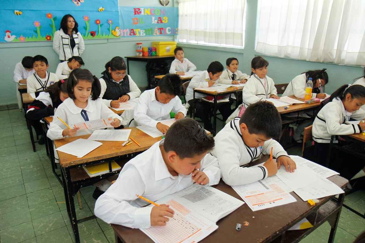 Todos aquellos alumnos de escuelas particulares que se encuentren estudiando la educación básica en el Edomex para el ciclo escolar 2021-2022.