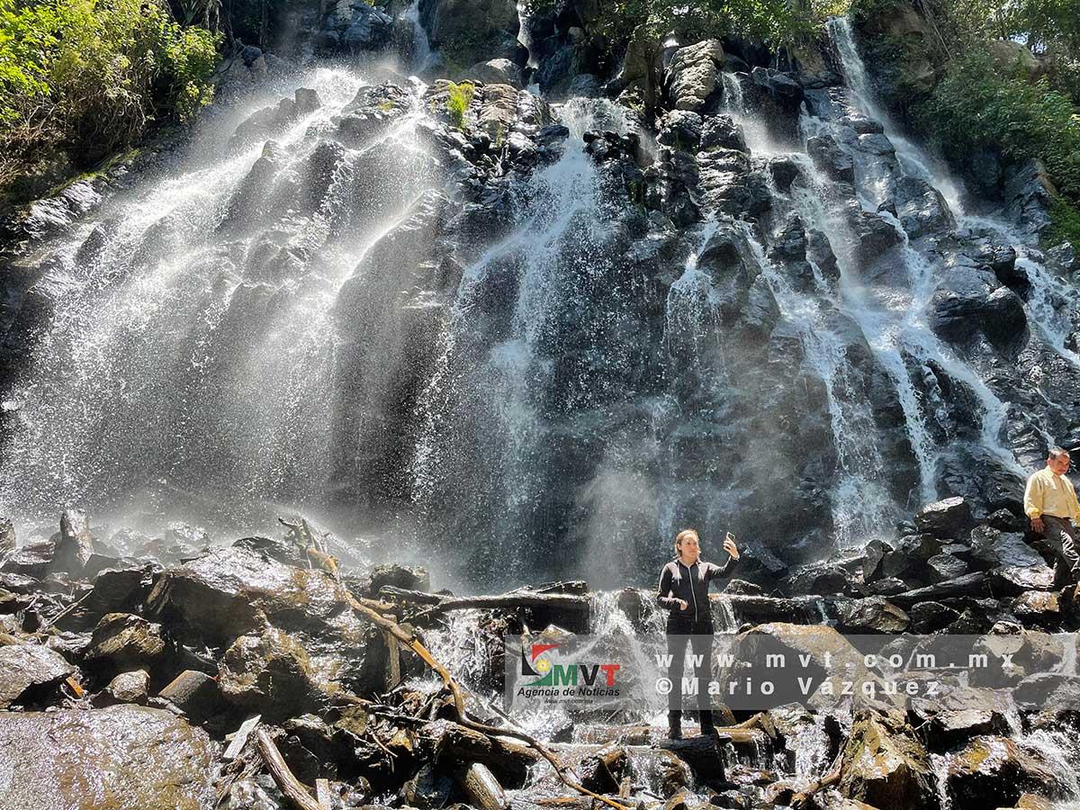 ¿Conoces la trágica leyenda de la cascada Velo de Novia en Avandaro?