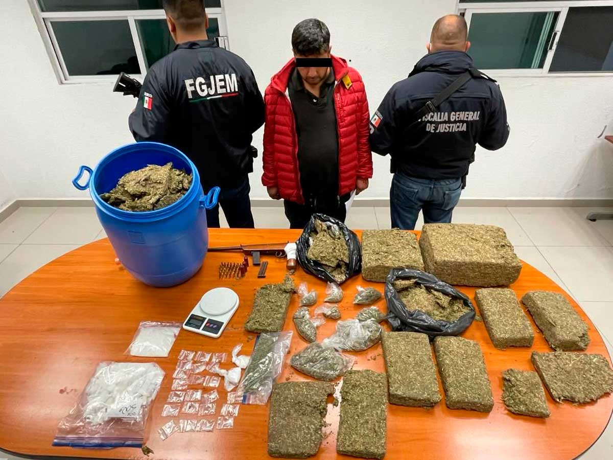 Aseguran agentes 18 kilos de marihuana durante cateo en Atlacomulco