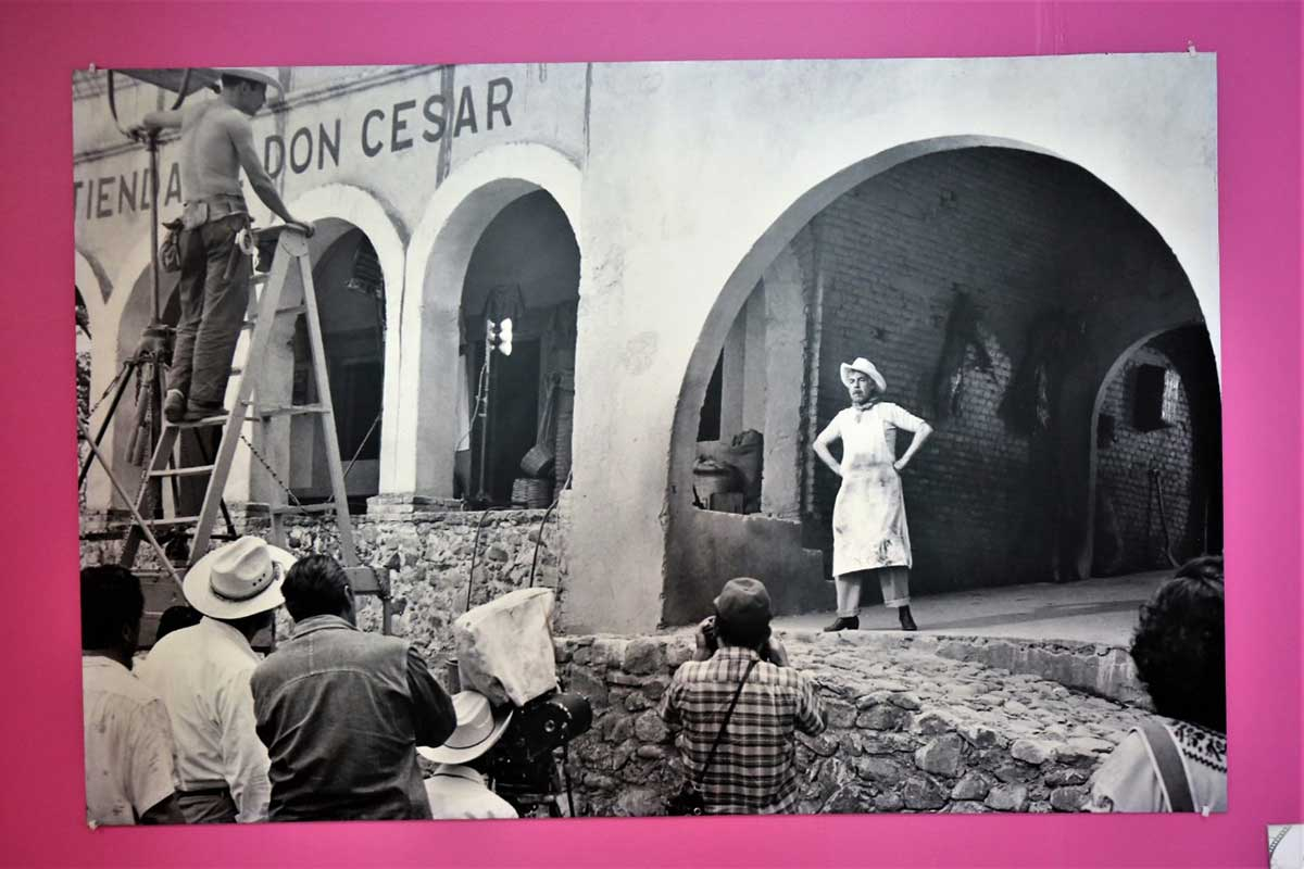 Celebra Cineteca Mexiquense tercer aniversario con exposición fotográfica y conversatorio
