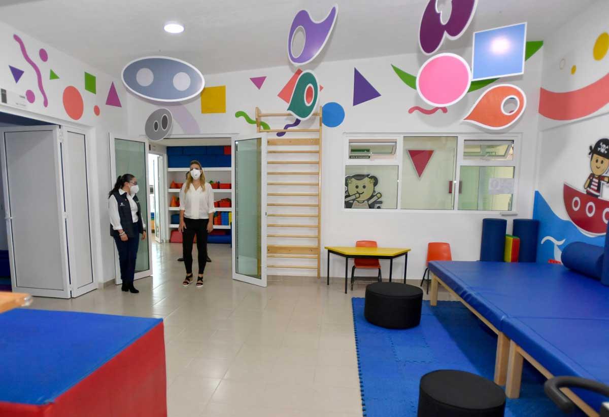 Inaugura Fernanda Castillo de Del Mazo remodelación de los Centros de Asistencia Social del DIFEM
