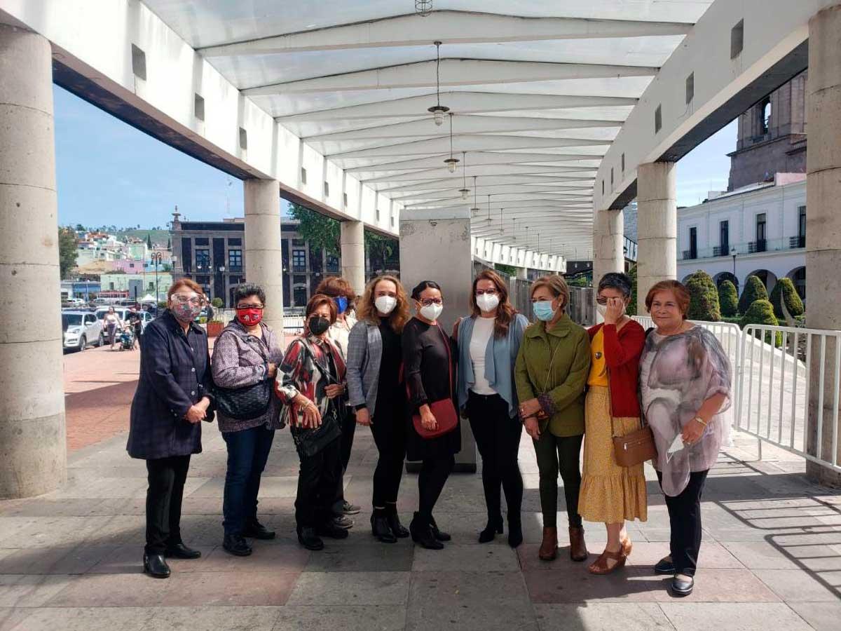 """Inauguran """"Rostros"""", exposición del Colectivo de Mujeres en el Arte"""