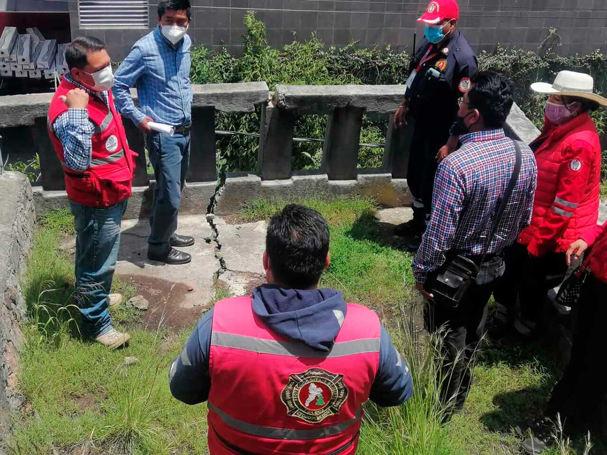 Protección Civil y Bomberos detectan grietas geológicas en Toluca