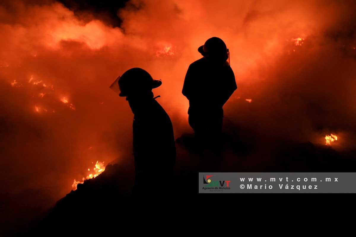 Diputados aprueban por unanimidad ley que dignifica a bomberos del Edomex