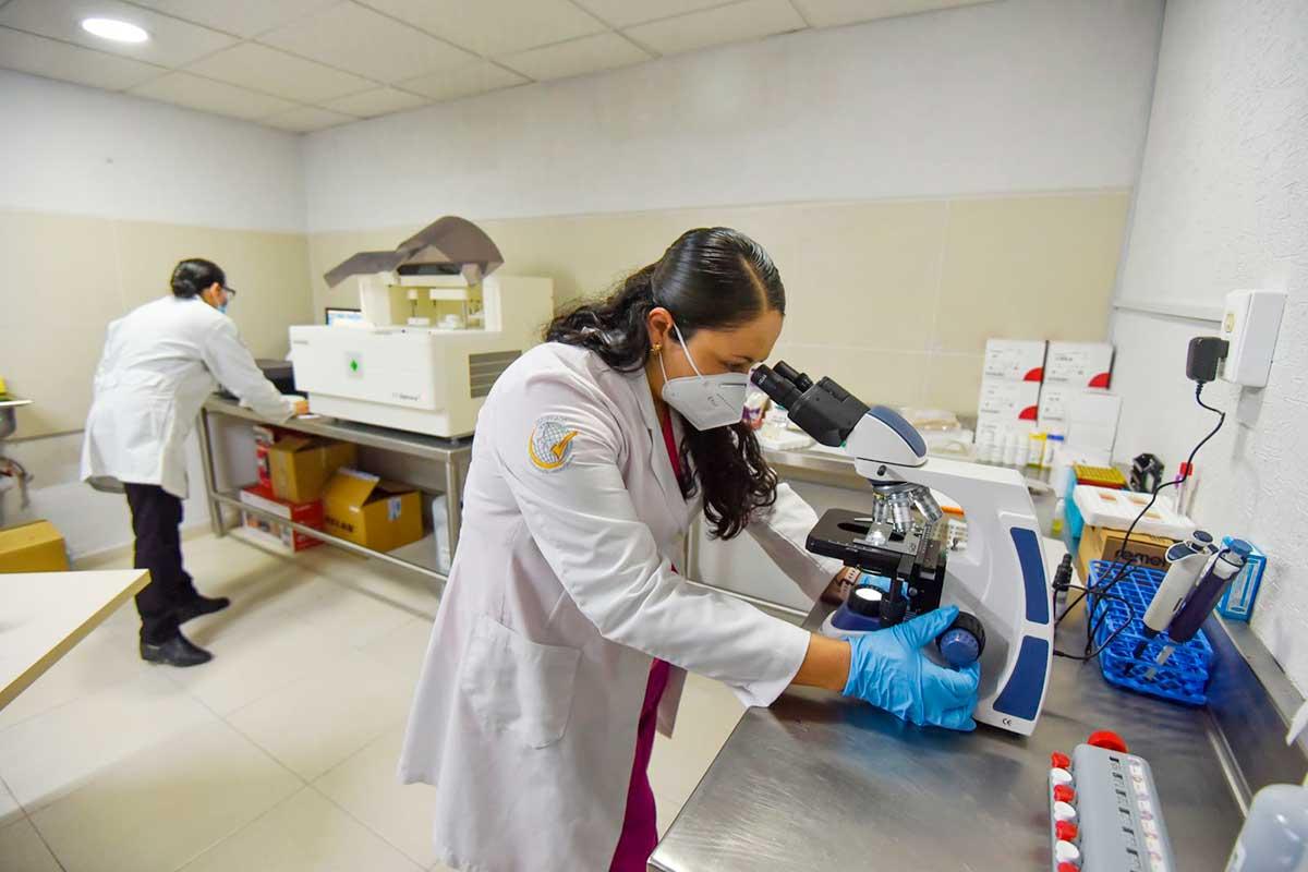 La Cruz Roja de Toluca abre nuevo laboratorio de análisis clínicos