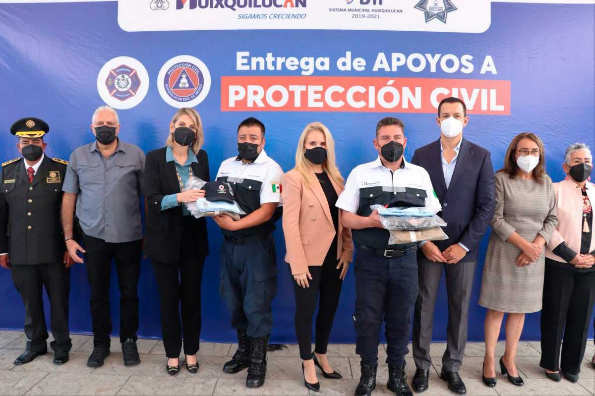 Entregan equipo a elementos de Protección Civil de Huixquilucan