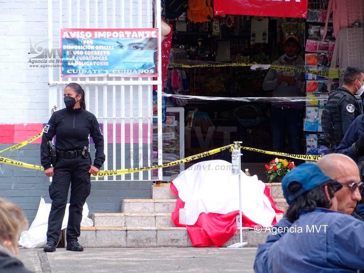 """Fallece """"El Sinsi"""", abrazado a su tonaya en mercado 16 de Septiembre"""
