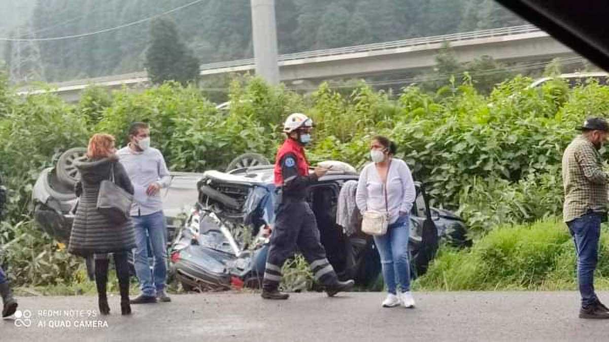 Múltiple accidente en la México-Toluca deja heridos y daños en La Escondida