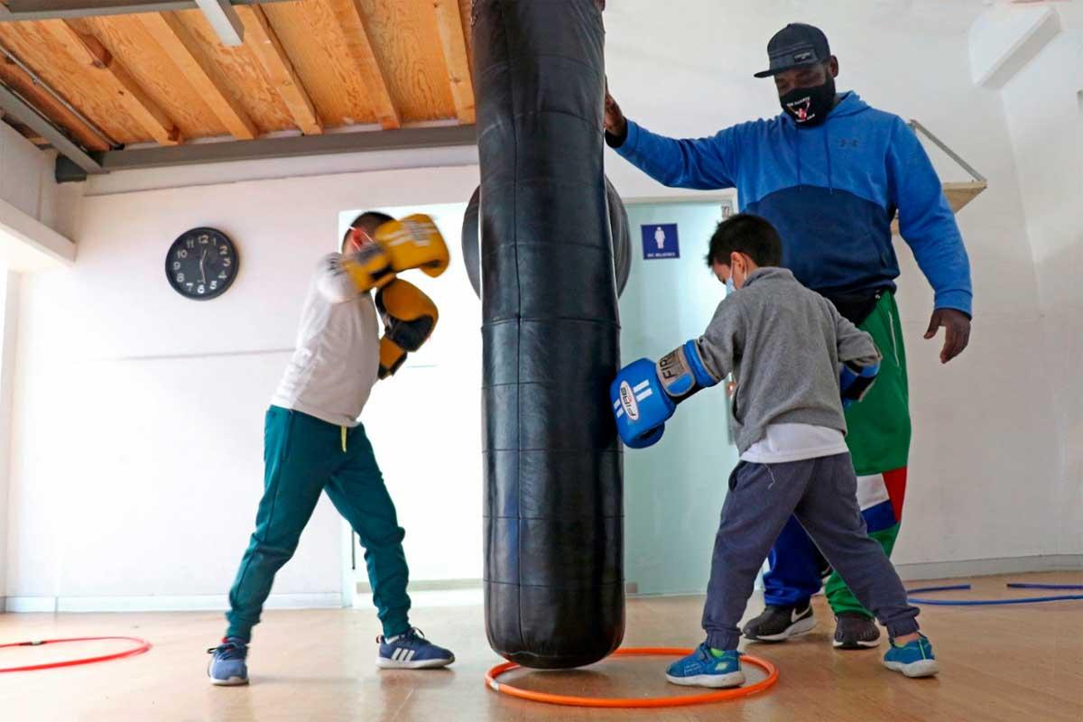 Ofrece Deportivo Agustín Millán clases de boxeo, gimnasia y bádminton