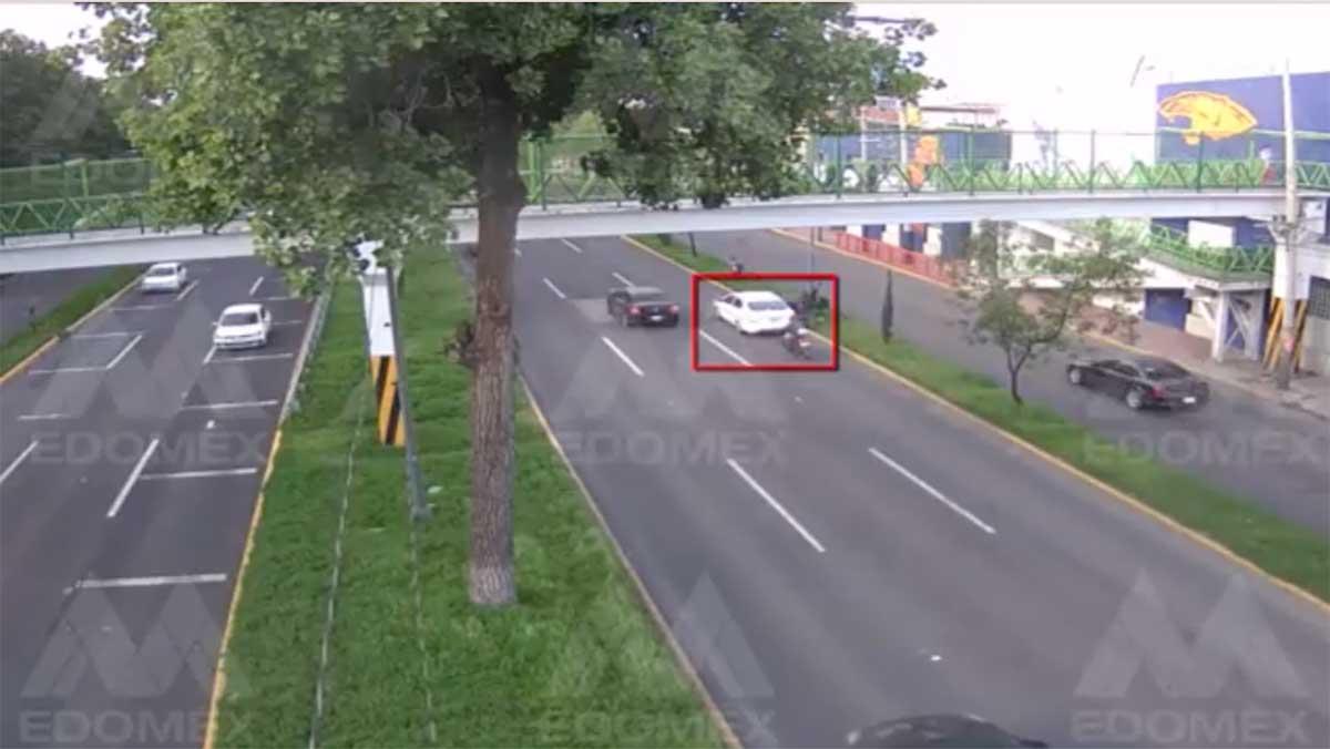 #Video Irresponsable conductor causa terrible accidente en Tollocan