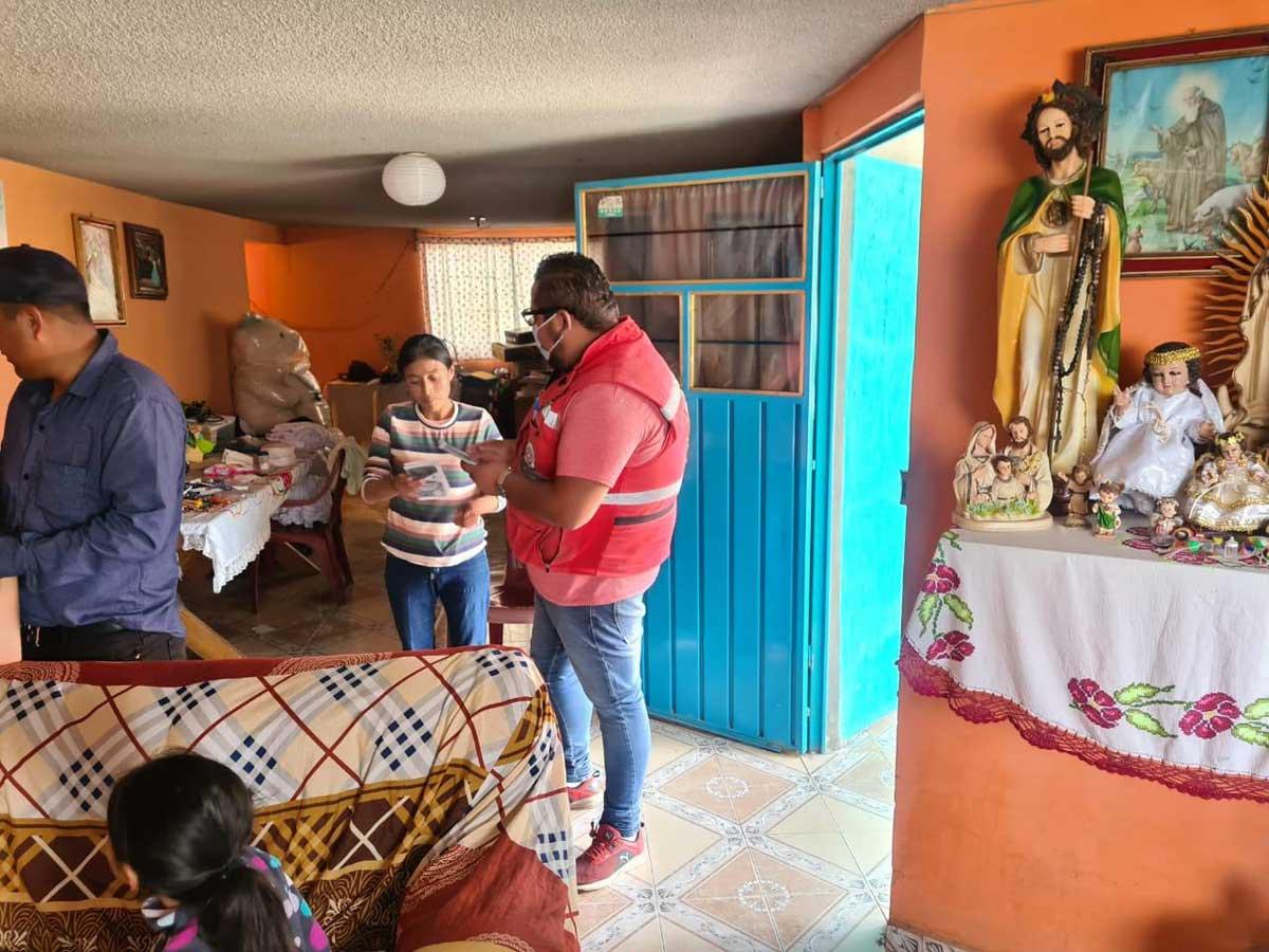 Protección Civil entrega apoyos a familias afectadas en La Constitución Totoltepec