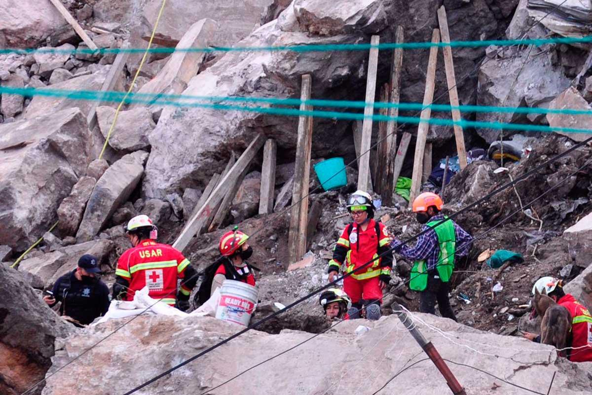 Hay 10 desaparecidos en derrumbe del Chiquihuite, evacuan 80 viviendas