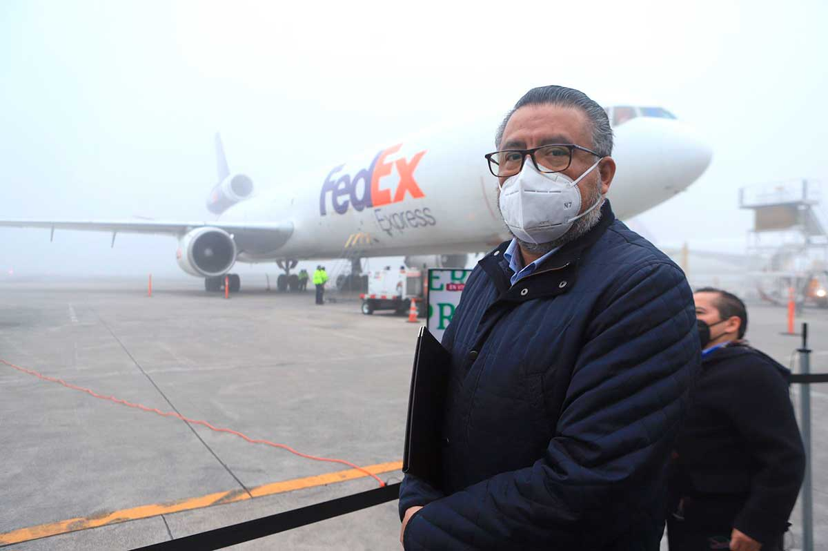 Llega segundo lote de vacunas Moderna a la Aduana de Toluca