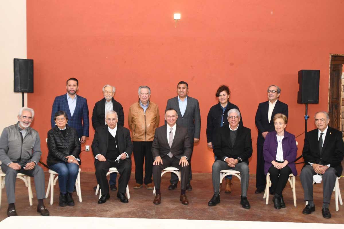 Raymundo Martínez presenta su plan de trabajo a ex presidentes de Toluca
