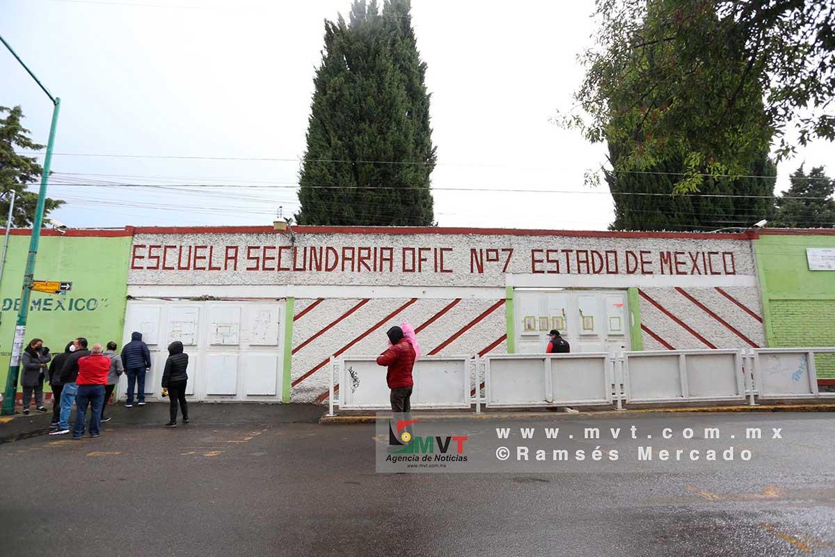 Cierran secundaria 7 de Toluca por caso sospechoso de Covid-19