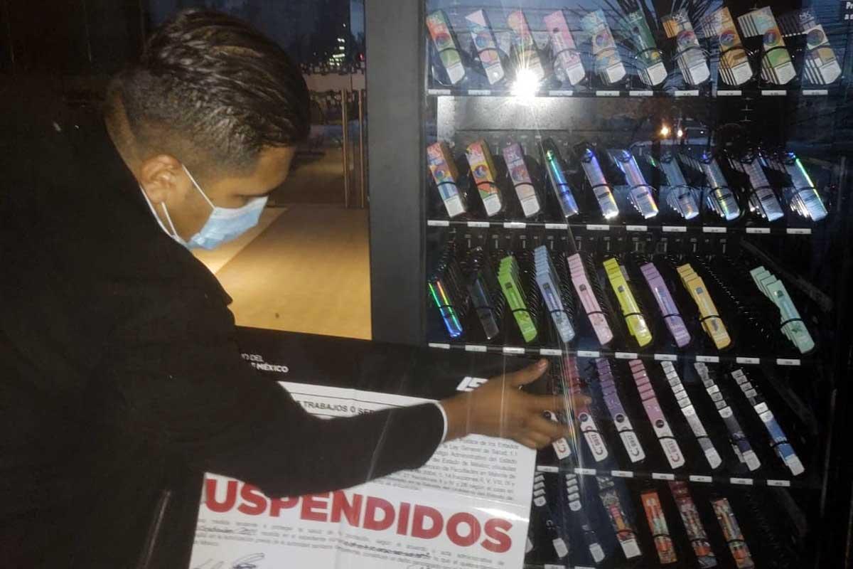 """Clausuran máquinas expendedoras de """"vapeadores"""" en Metepec y Huixquilucan"""