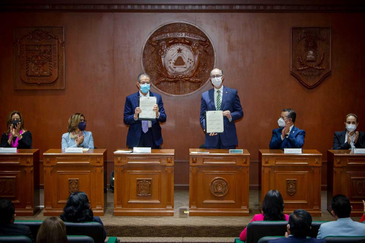 Firman convenio general de colaboración el Rector de la UAEM y titular del INFOEM