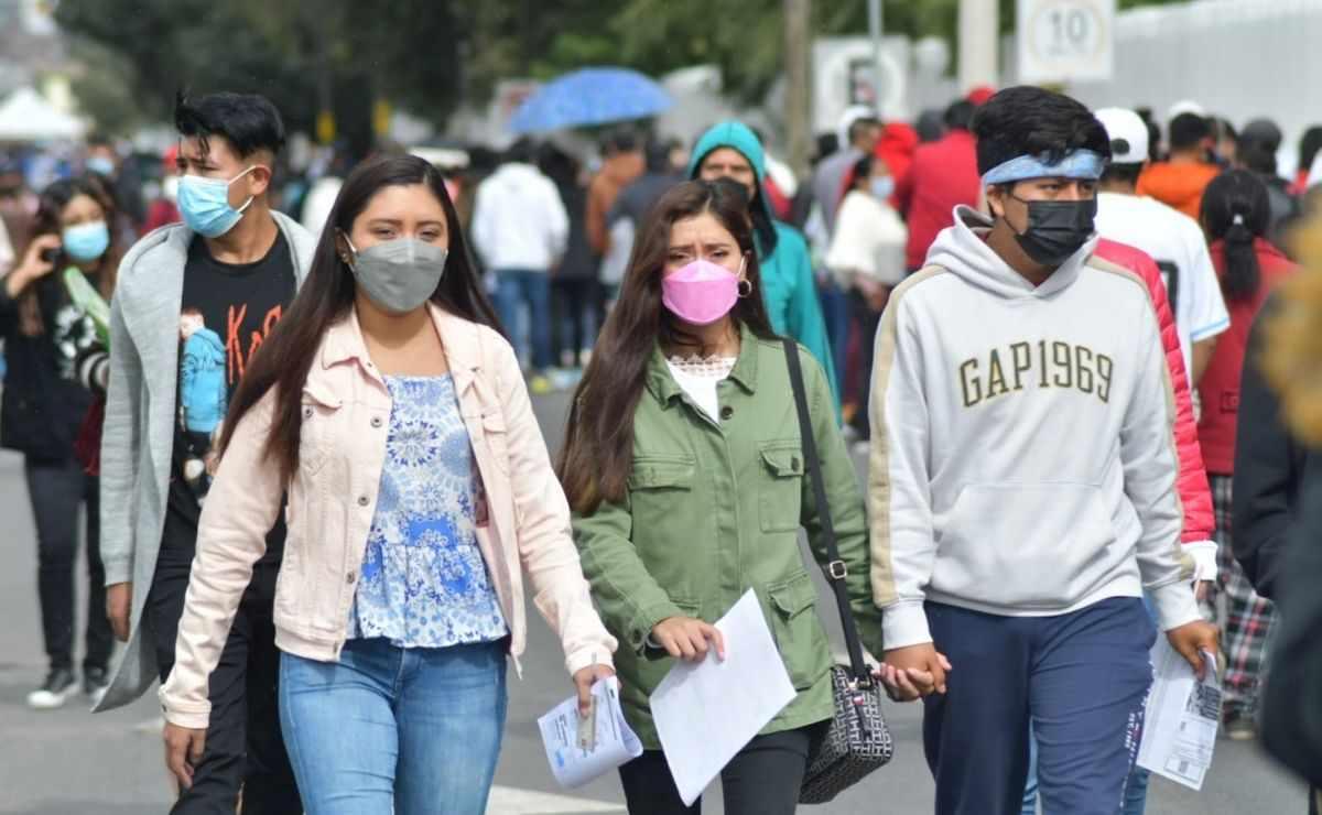 Toluca - Inicia aplicación de segunda dósis para jóvenes de 18 a 29 años